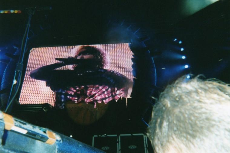 Sammy during the VanHalen tour, October 2004, Seattle, WA