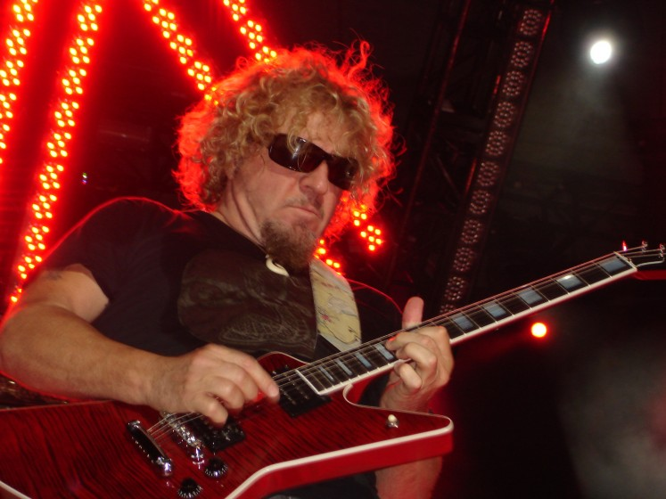 Rockin&#039; The Greek In Berzerkeley With Chickenfoot!