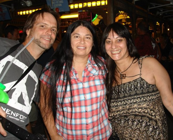 Don, Mona & Darlene @ Sammy's Beach Bar, Atlantic City N.J. 8/27/10