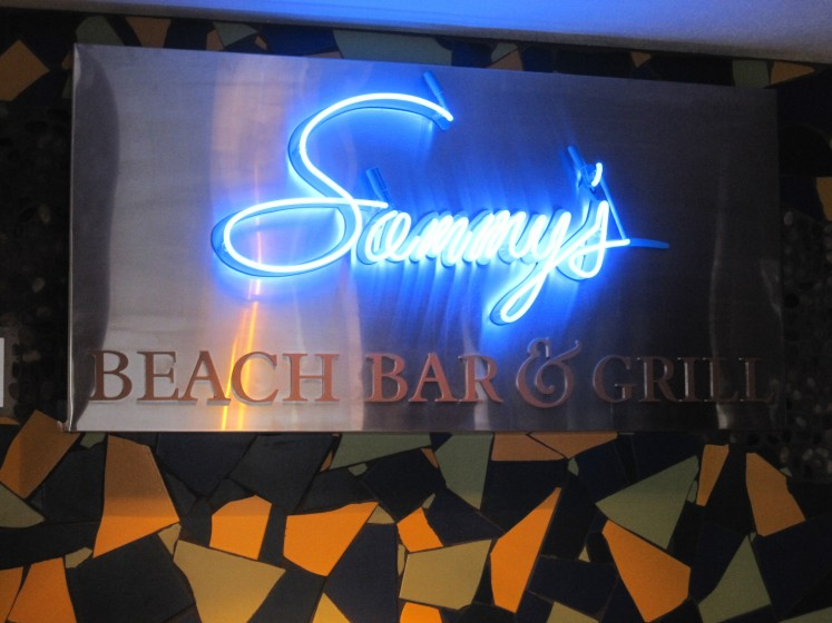 Sammy Bar - Maui Hawaii