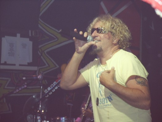 Sammy Hagar, simply smiling and singing @ Bash'2007