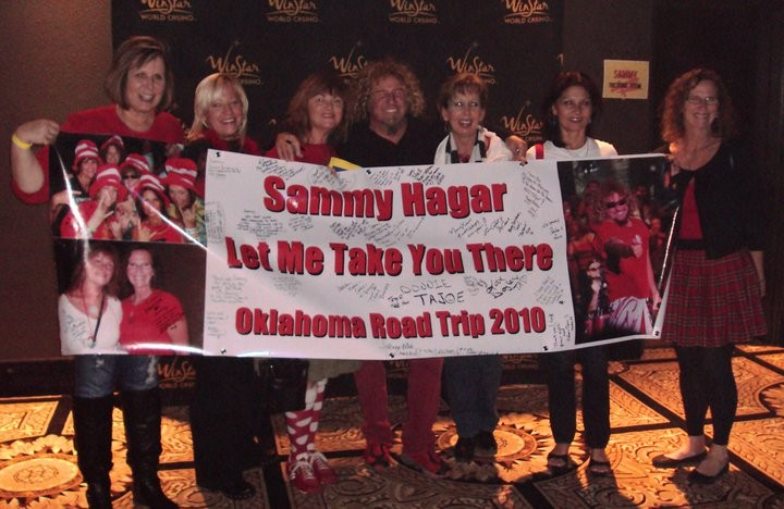 Redheads meet Sammy at Winstar