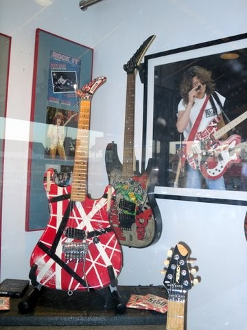 Ed&#039;s Real Frankienstien In Hollwood, Guitar walk,