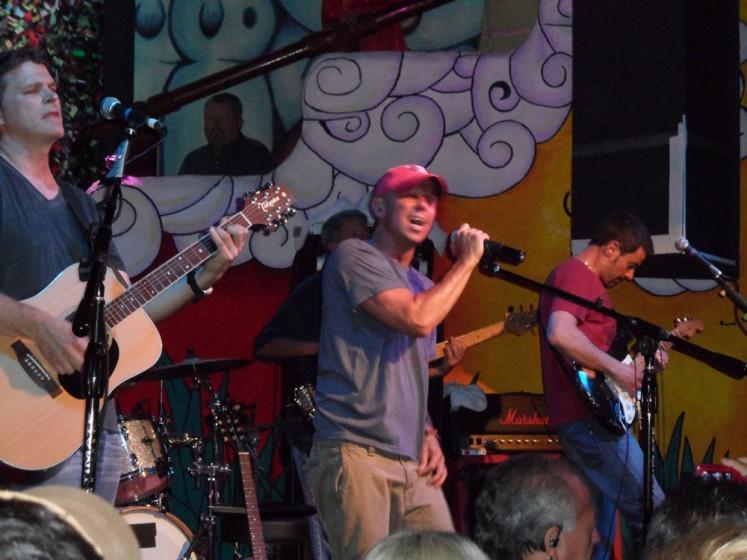 Kenny Rocks the CaboWabo Cantina 2012