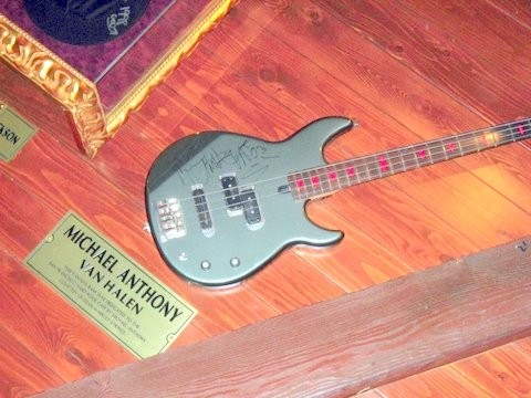 Michael Anothony's Bass Hard Rrock Cafe In San Francisco