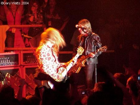 gw-050104-Jerry-Cantrell-and-Billy-Duffy-1