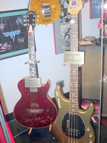 SAMMY'S & MICHAEL'S GUITARS, GUITAR WALK IN HOLLWOOD,