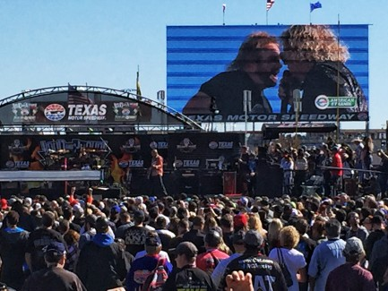 The Circle rocks NASCAR at Texas Speedway
